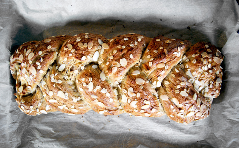 Pear Almond Sweet Bread | occasionallyeggs.com