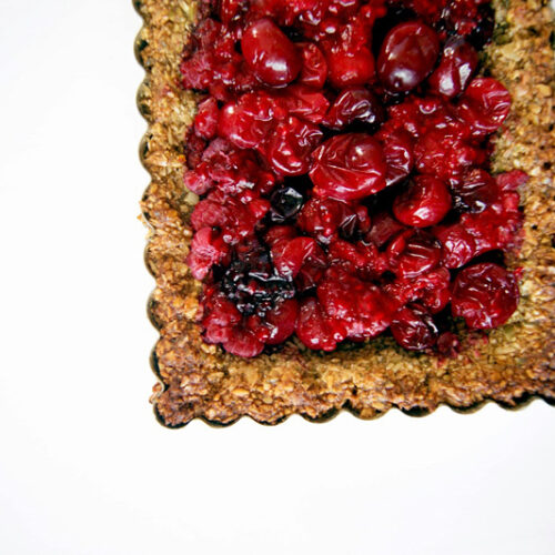 Cranberry Tart with Pepita Oat Crust | occasionallyeggs.com