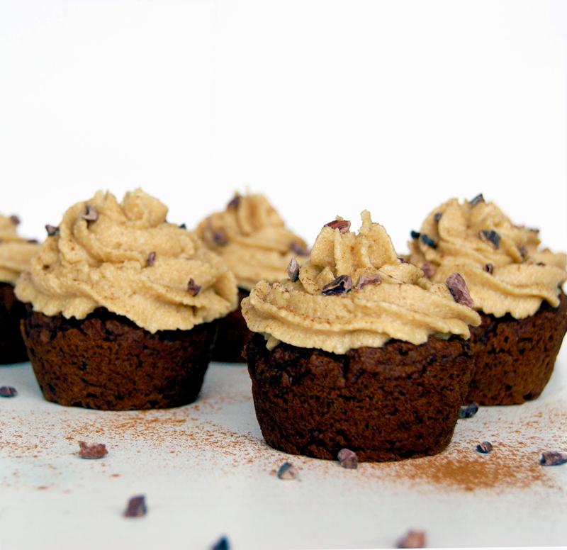 Dark Chocolate Pumpkin Cupcakes with Creamy Cashew Icing | occasionallyeggs.com
