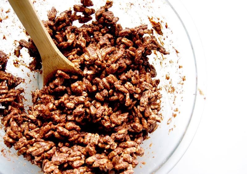 Peanut Butter Puffed Wheat Squares | occasionallyeggs.com