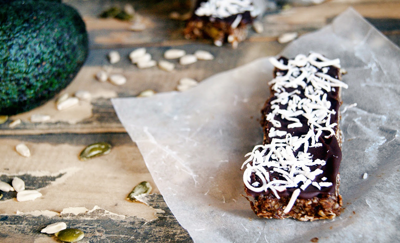 Double Chocolate Raw Protein Bars | occasionallyeggs.com #veganrecipes #nutfree #oilfree #sugarfree