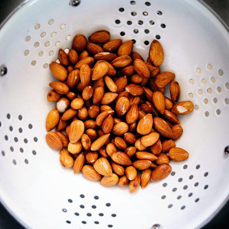 Almond Milk | occasionallyeggs.com