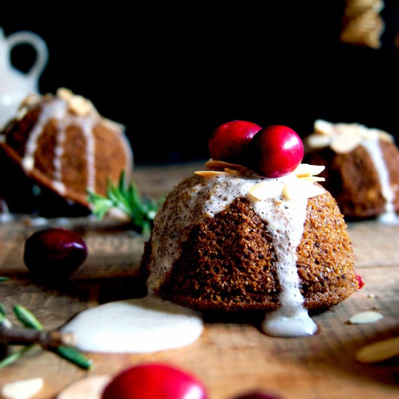 Little Cranberry Citrus Holiday Cakes | occasionallyeggs.com