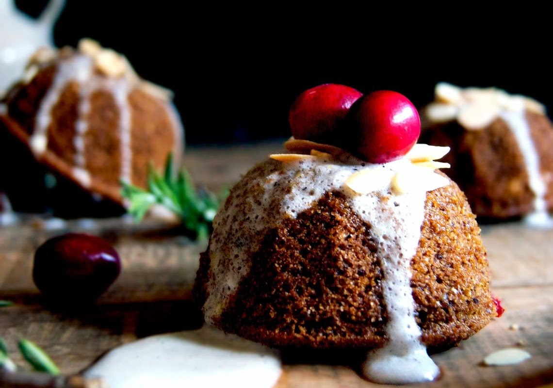 Little Cranberry Citrus Holiday Cakes (Vegan)