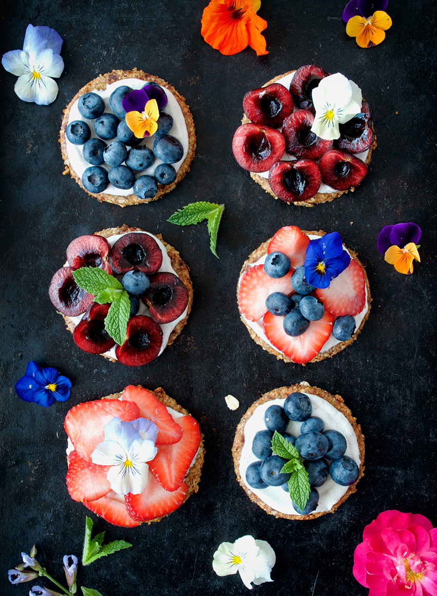 Fresh Berry Tarts | occasionallyeggs.com #veganrecipes #glutenfree #sugarfree