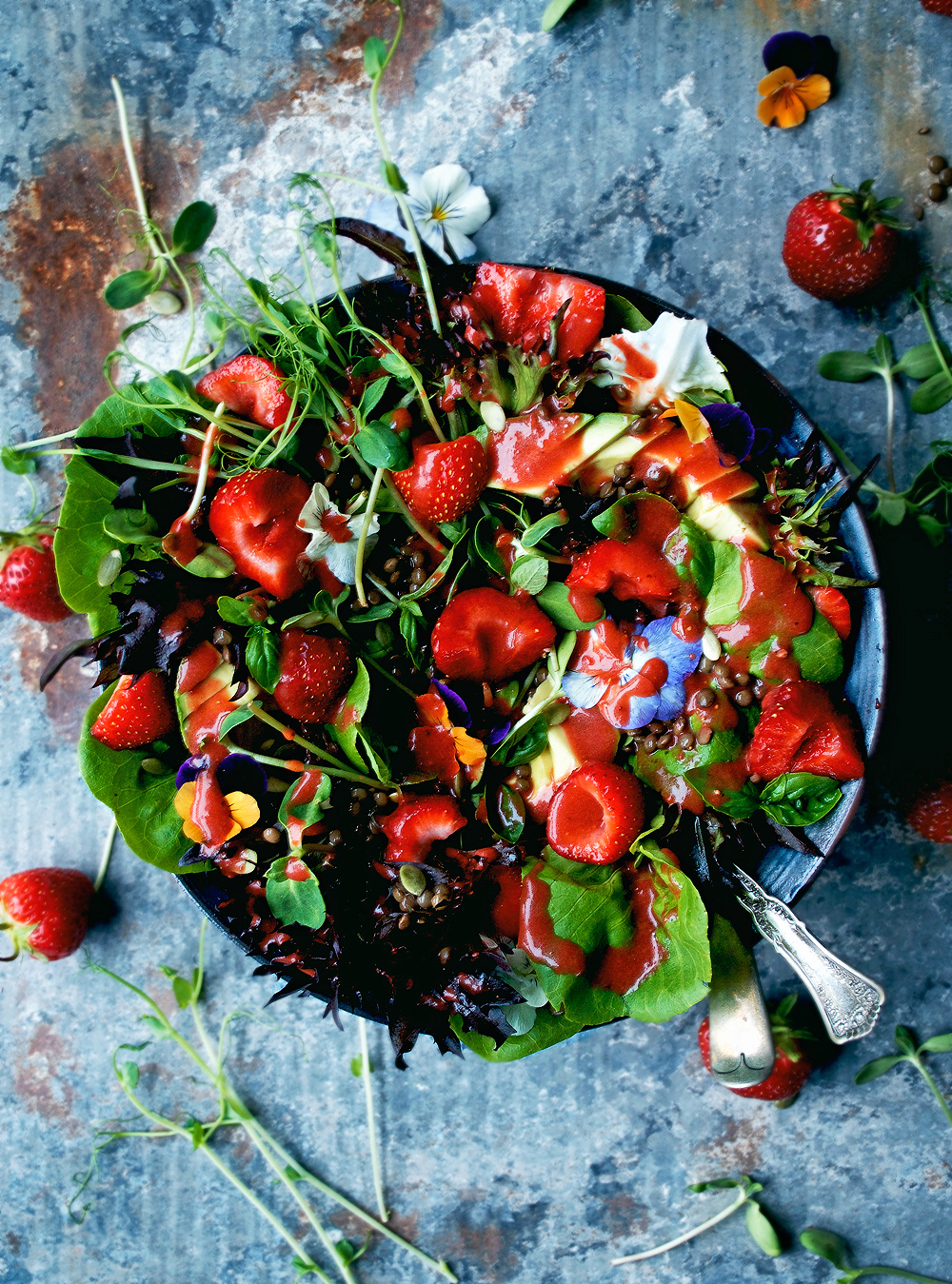 Summer Salad with Strawberry Vinaigrette | occasionallyeggs.com
