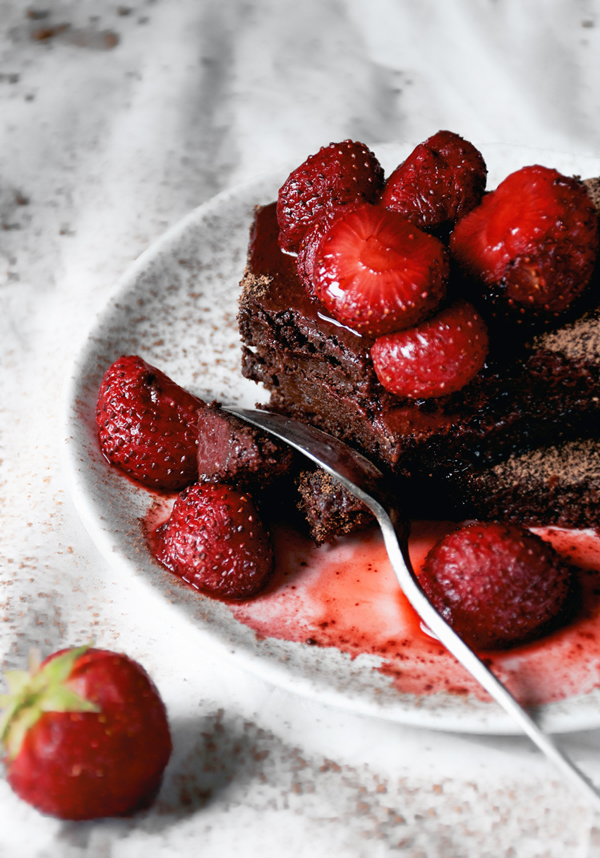 Double Strawberry Rye Brownies | occasionallyeggs.com #veganrecipes #spring