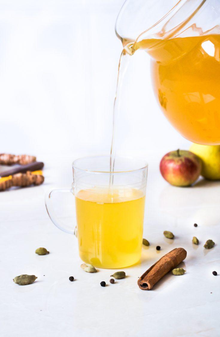 Ginger Turmeric Yoga Tea | occasionallyeggs.com