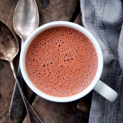 Red Velvet Hot Chocolate | occasionallyeggs.com