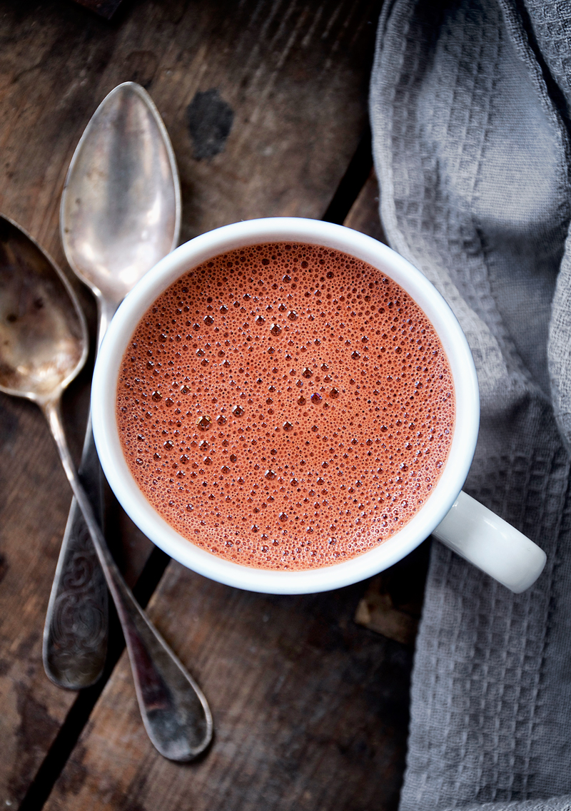 Red Velvet Hot Chocolate | occasionallyeggs.com