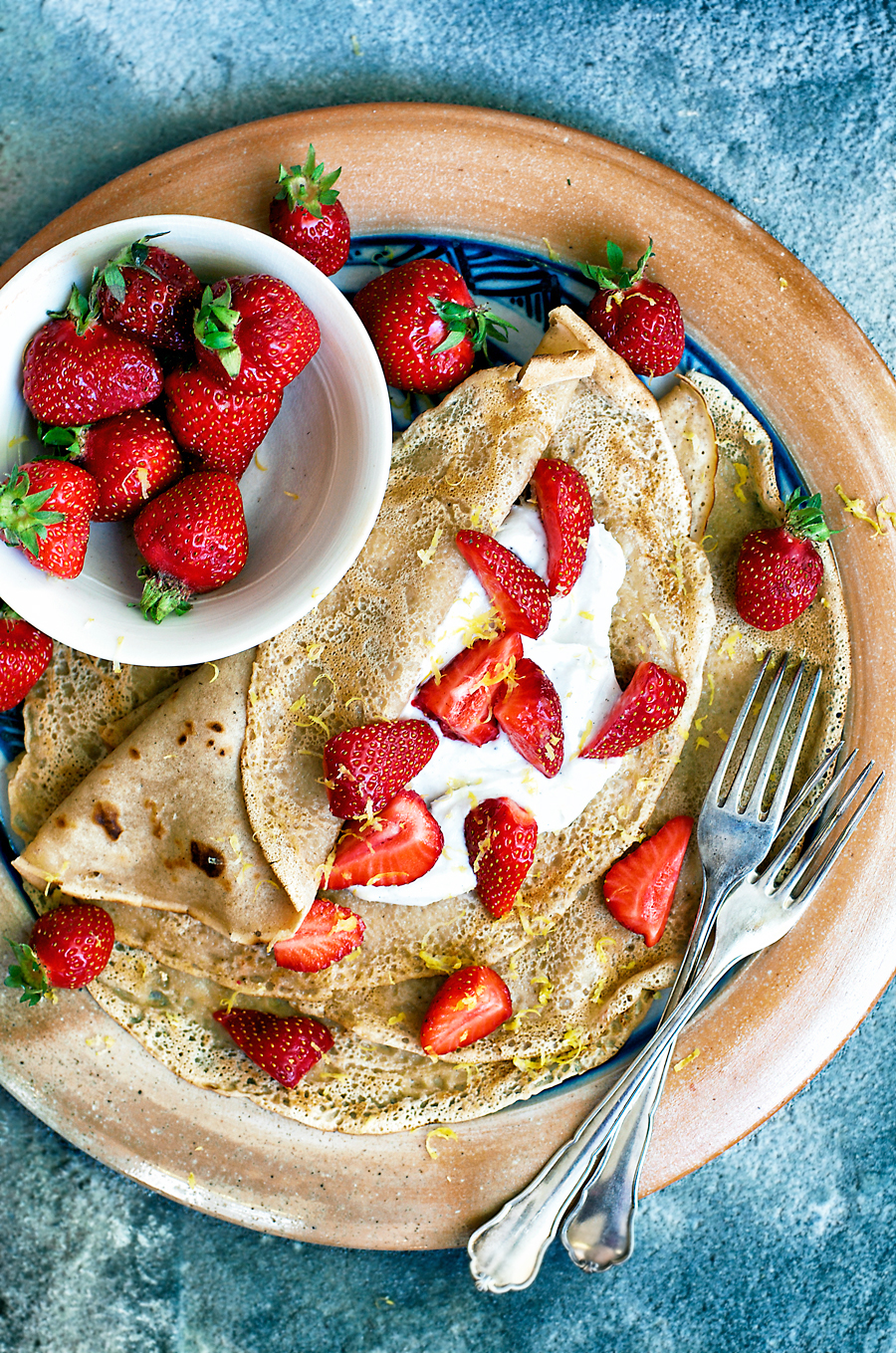 Healthy Vegan Crepes | occasionallyeggs.com