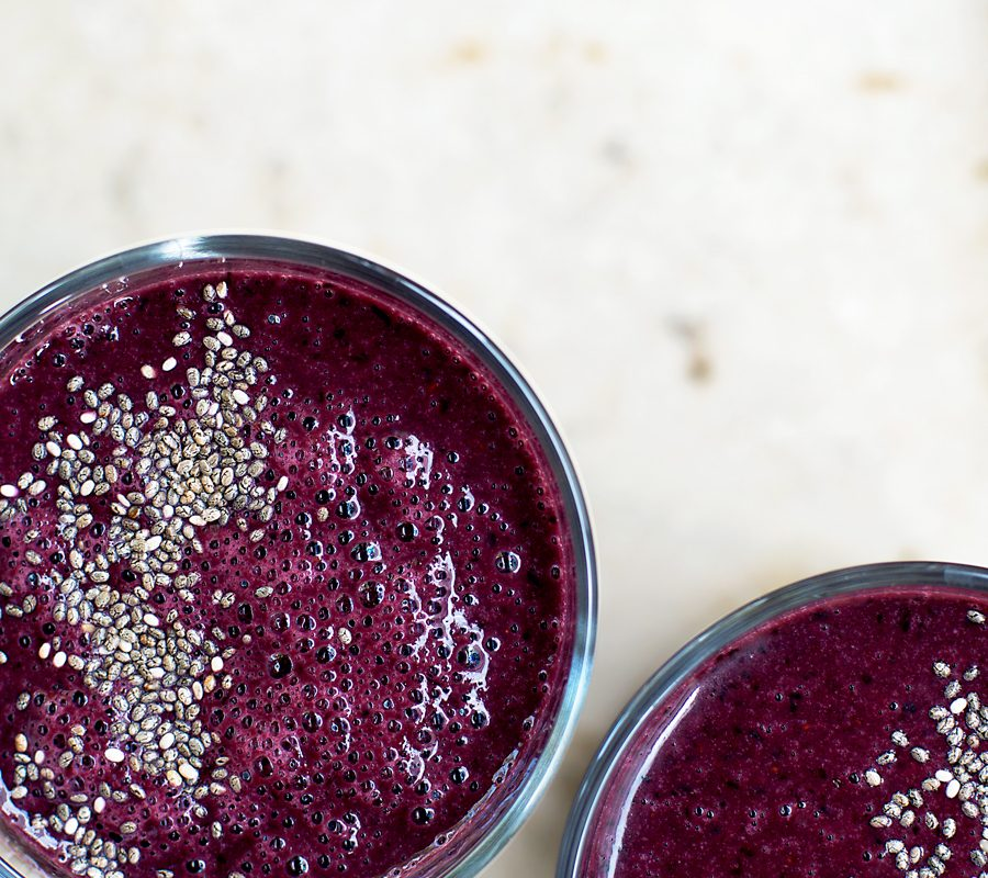 Berry and Nut Butter Smoothie | occasionallyeggs.com