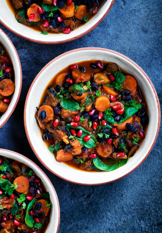 Winter Black Bean and Pumpkin Chili | occasionallyeggs.com