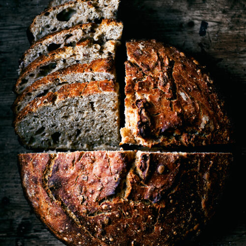 Easy No-Knead Honey and Oat Spelt Sourdough | occasionallyeggs.com