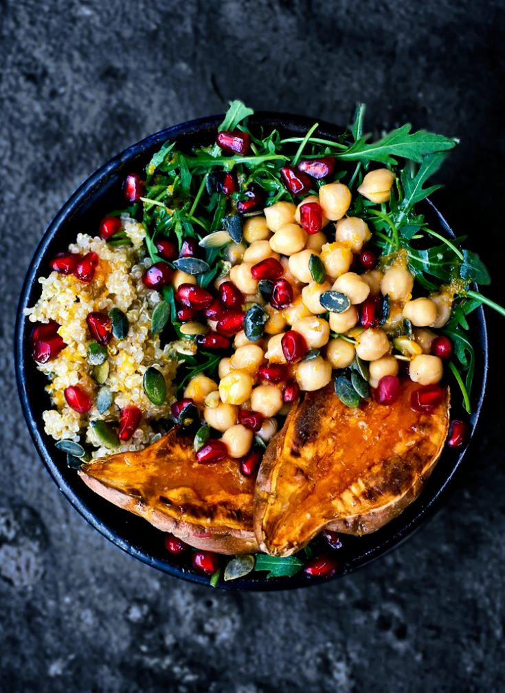 Moroccan Chickpea, Quinoa, and Sweet Potato Lunch Bowls | occasionallyeggs.com