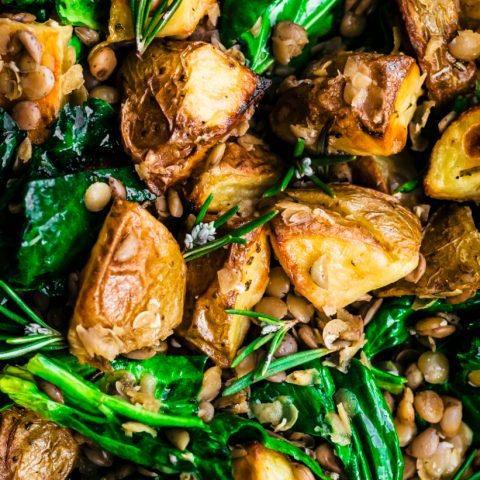 Vegan rosemary roasted potato salad with lentils and spinach