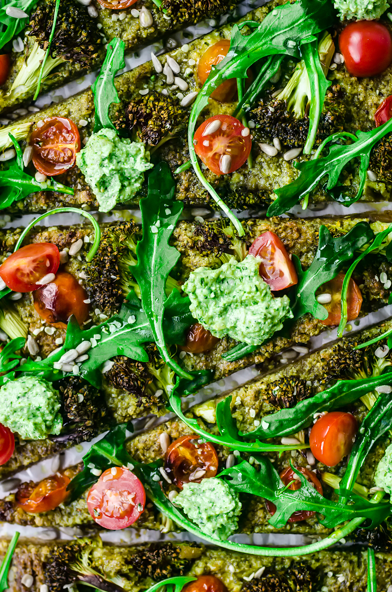 Vegan Pesto Broccoli Pizza | occasionallyeggs.com