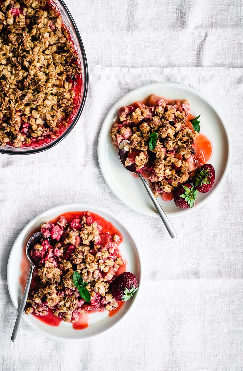 Strawberry Rhubarb Chickpea Flour Crisp | occasionallyeggs.com