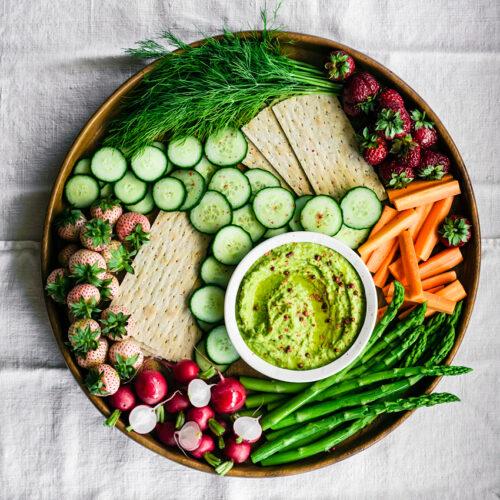 Green Pea Hummus + A Spring Mezze | occasionallyeggs.com