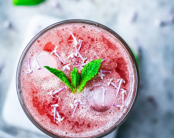 Honey Rhubarb Lemonade   occasionallyeggs.com