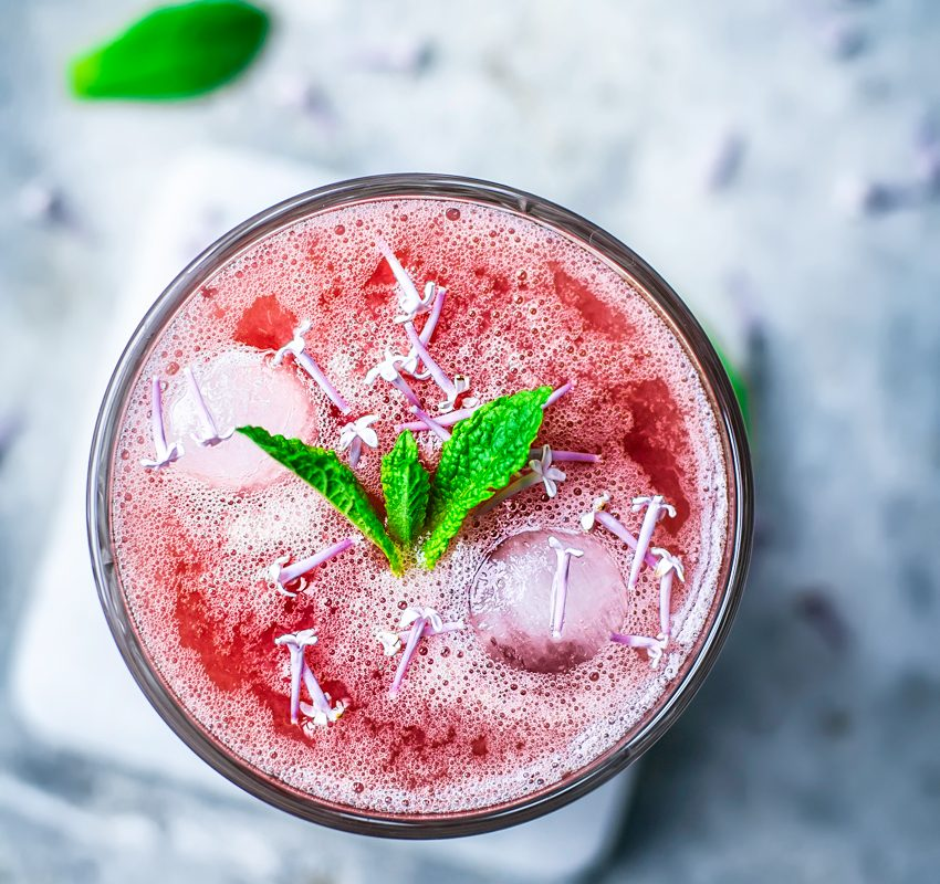 Honey Rhubarb Lemonade | occasionallyeggs.com