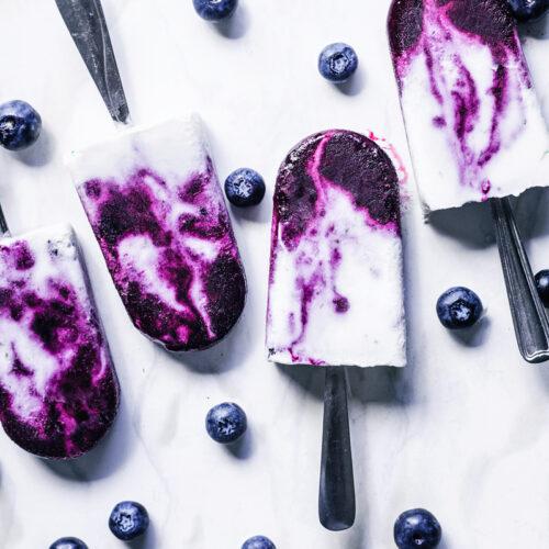 Creamy Blueberry Swirl Coconut Milk Popsicles | occasionallyeggs.com
