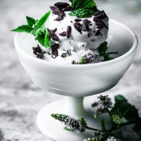 Vegan Mint Chocolate Chip Ice Cream | occasionallyeggs.com