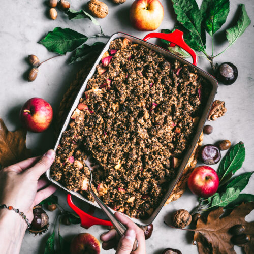 Hazelnut Apple Crumble | occasionallyeggs.com #glutenfree #veganrecipes #oilfree