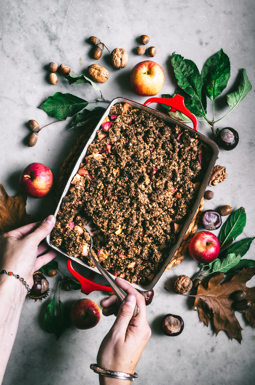 Hazelnut Apple Crumble | occasionallyeggs.com #glutenfree #veganrecipes