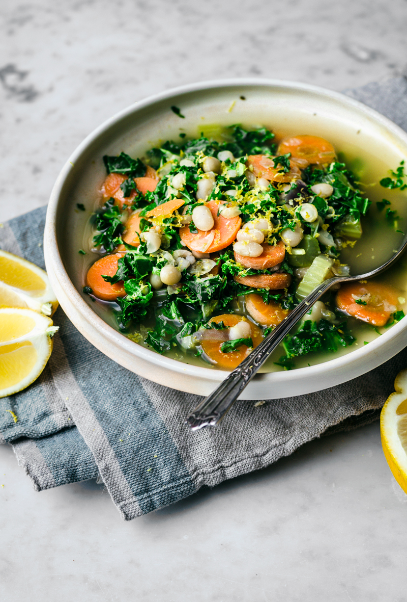 Kale, White Bean, and Lemon Soup | occasionallyeggs.com #healthy #veganrecipes #kale #winterfood