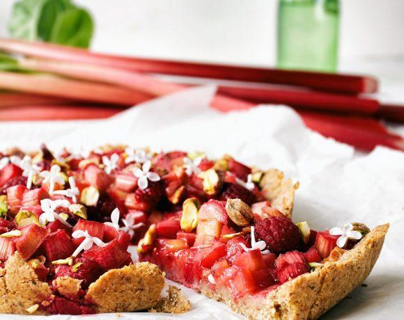 10 Healthy Rhubarb Recipes for Spring | occasionallyeggs.com