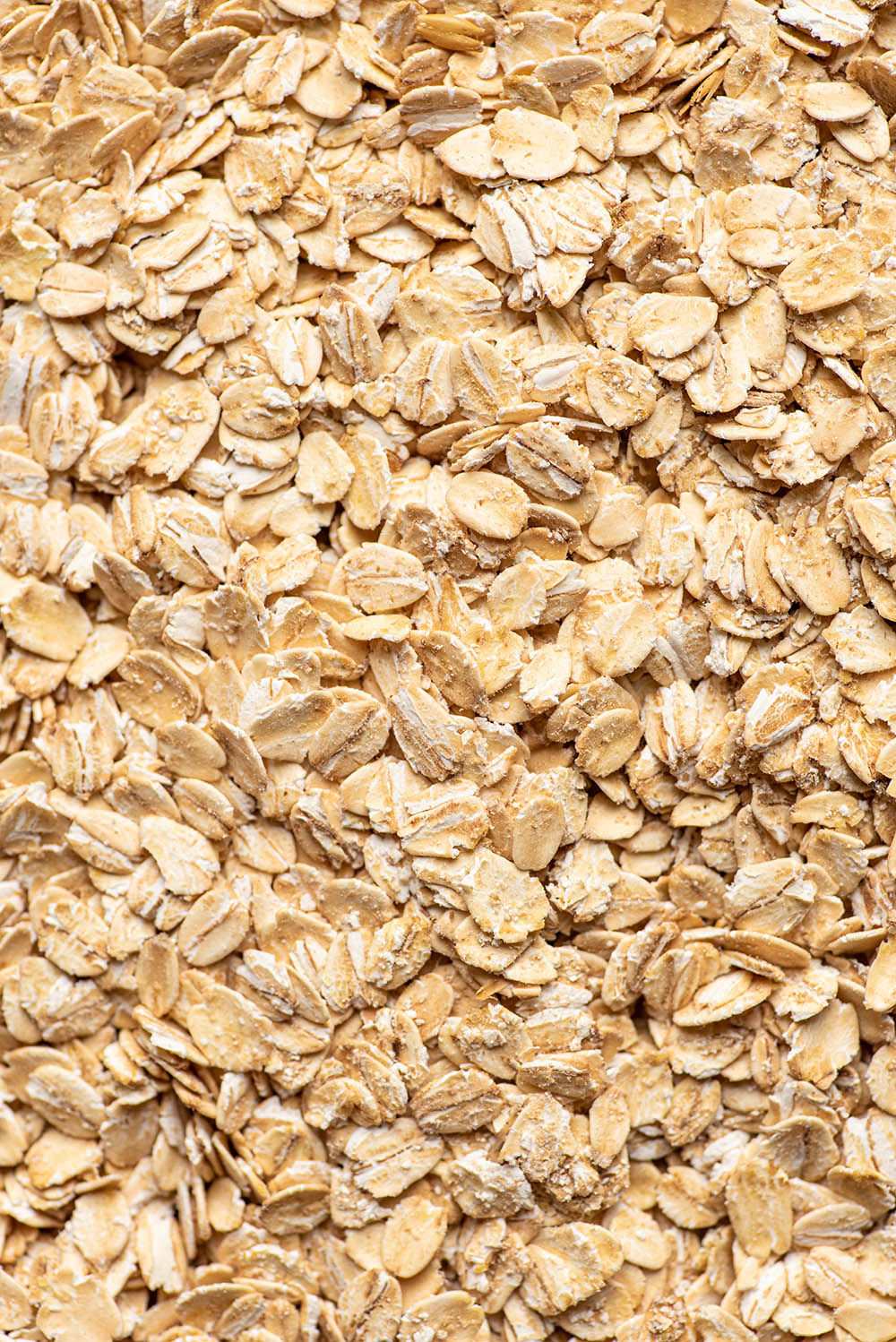 Close up of rolled oats.