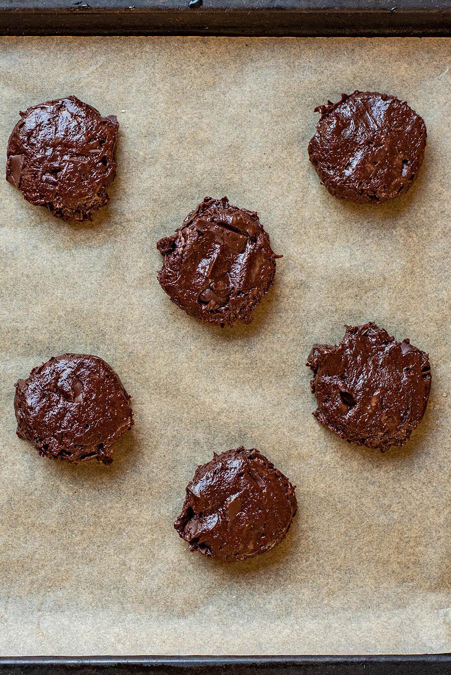 Cookies before baking.