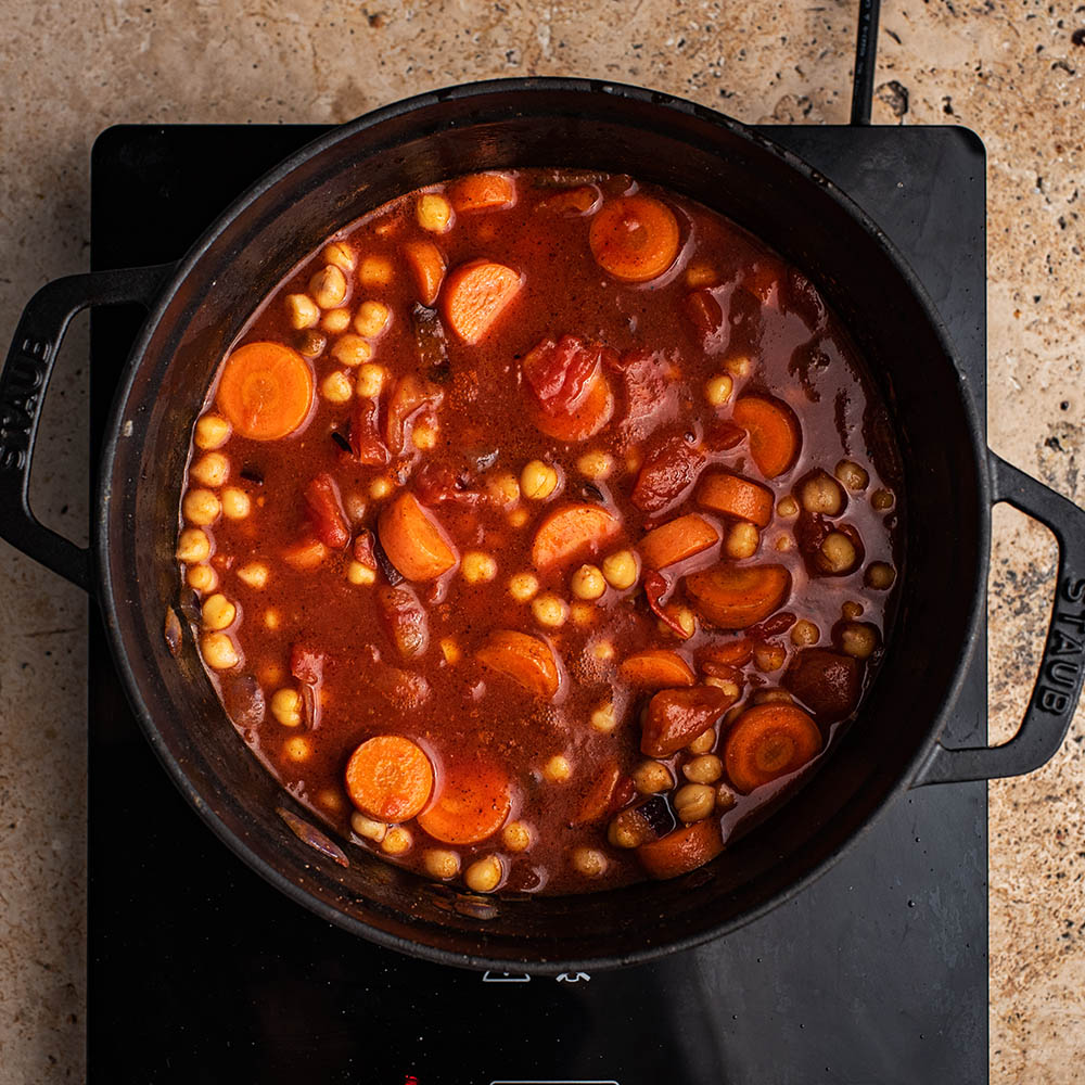 Stew with the chickpeas stirred in.