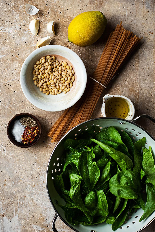 Lemon spinach pasta ingredients.