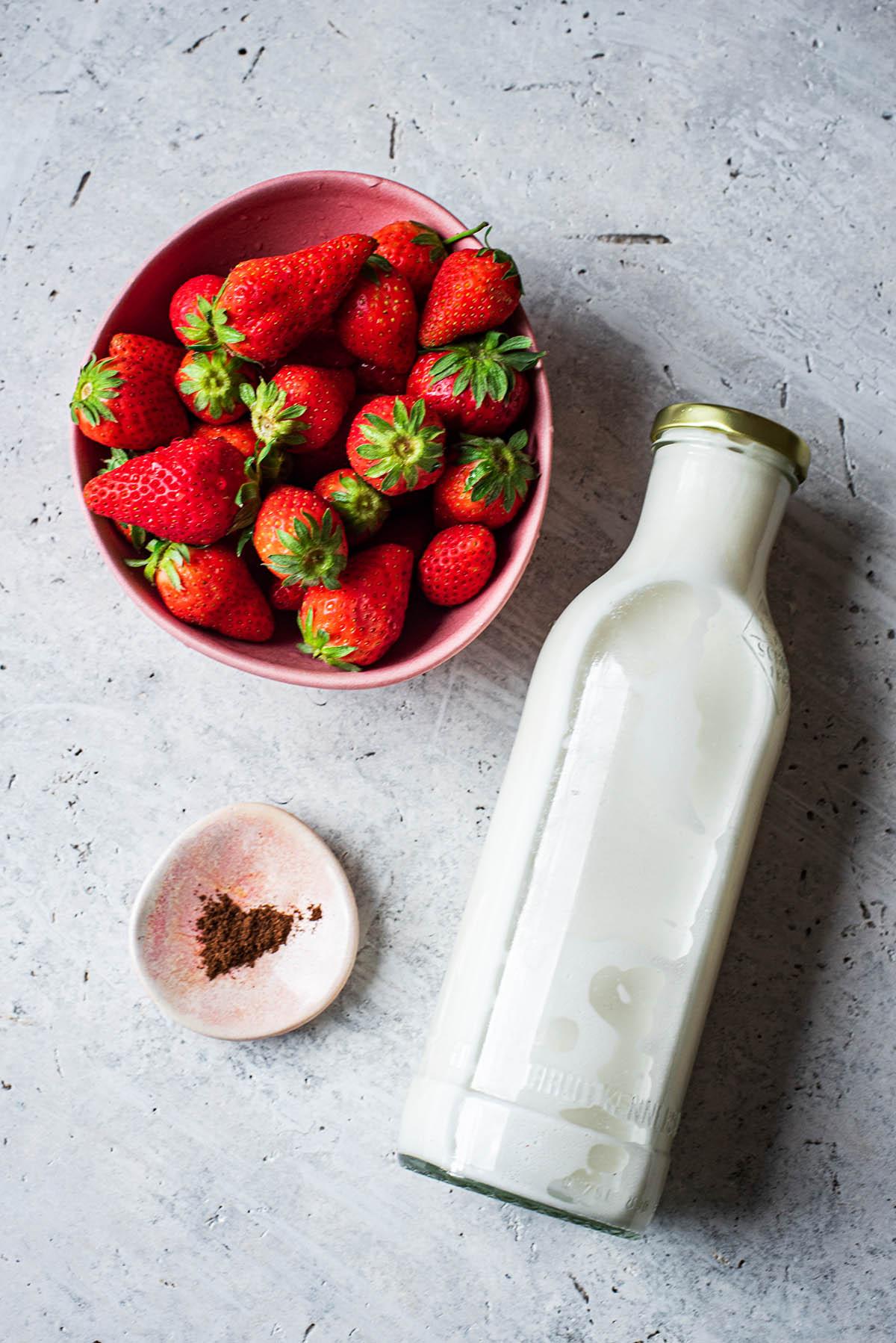 Strawberry Milk ingredients.